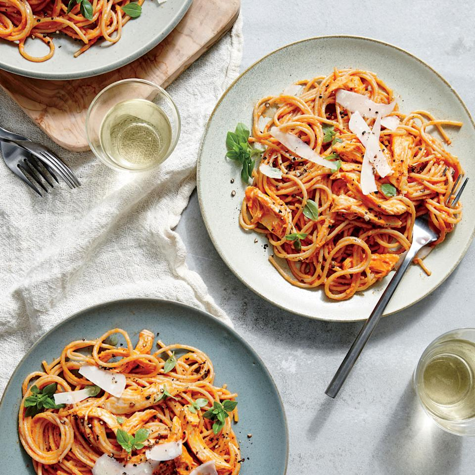 """<p>A family favorite swaps jarred sauce for fresh—which requires just a few ingredients and less than 10 minutes.</p> <p> <a rel=""""nofollow"""" href=""""http://www.myrecipes.com/recipe/family-style-chicken-spaghetti"""">View Recipe: Family-Style Chicken Spaghetti</a></p>"""