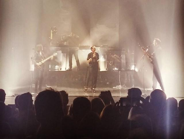 "Watch Savages' Jehnny Beth Perform ""Infinity"" With The xx"