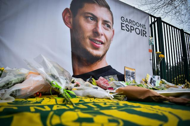 Emiliano Sala: Footballer's father says 'it's a dream, a bad dream. I'm desperate'