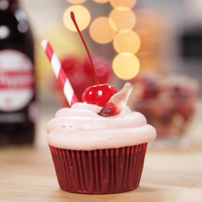 Dr Pepper Fans Will Love These Soda Filled Cupcakes Video