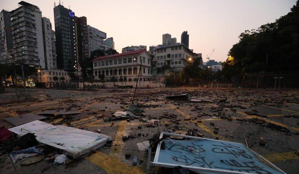 Streets are littered with debris in the aftermath of protests on November 18, 2019. Photo: Felix Wong