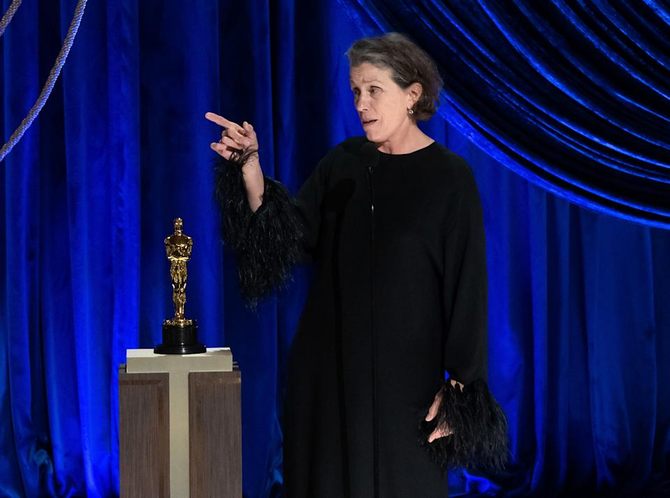 Frances McDormand accepts the Oscar for Actress in a Leading Role for