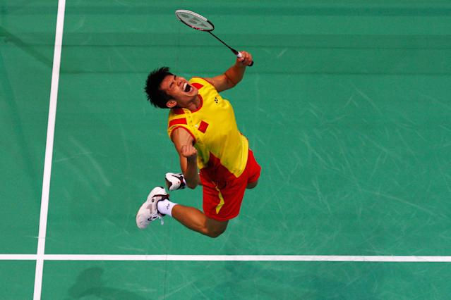 BEIJING - AUGUST 17: Lin Dan of China celebrates winning the gold medal in the Men's Singles Gold Medal Match against Lee Chong Wei of Malaysia held at the Beijing University of Technology Gymnasium during Day 9 of the Beijing 2008 Olympic Games on August 17, 2008 in Beijing, China. (Photo by Cameron Spencer/Getty Images)