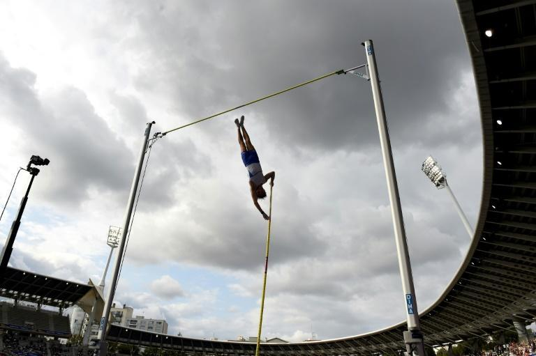 Flying high: Sweden's Armand Duplantis competes in the pole vault (AFP/Lucas BARIOULET)