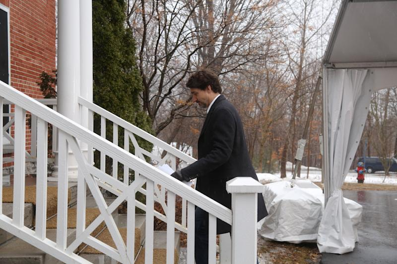 Canadian Prime Minister Justin Trudeau returns to his residence after a news conference on the COVID-19 situation in Canada March 29, 2020 in Ottawa, Canada. (Photo by Dave Chan / AFP) (Photo by DAVE CHAN/AFP via Getty Images)