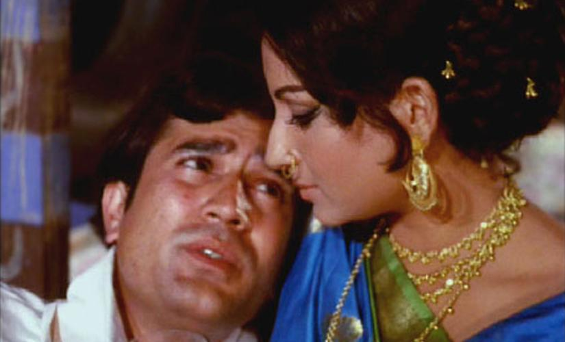 "Expelled from the house by her husband after the arrival of the new wife, fate lands ""Pushpa"" in a brothel. A rich man from an unhappy marriage becomes her regular and exclusive client. What ensues then, is perhaps the best depiction of platonic love on the silver screen of Indian cinema. The movie was shot when Sharmila was in the prime of her career and her beauty was at its peak. This pairing has given us a range of super-hits, but <em>Amar Prem,</em> with its unique essence is perhaps the finest of the assortment."