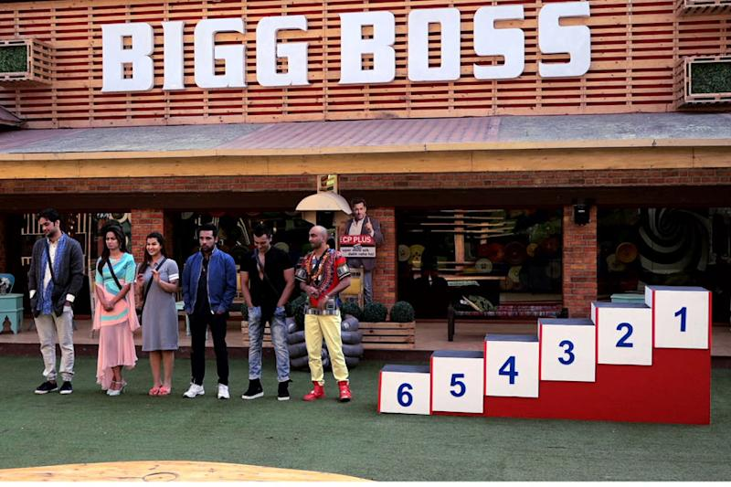 Bigg Boss 11, January 1, 2018 Update: Akash and Puneesh Are Safe; Hina, Shilpa Regret Saving Them