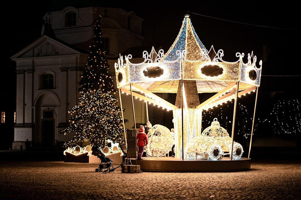 """<p>There's nothing sweeter than a decorated Christmas carousel.</p> <p><a href=""""http://media1.popsugar-assets.com/files/2020/12/02/709/n/1922507/fb818d6428e848dc_marcin-lukasik-zhT0qqZF4NY-unsplash/i/Carousel-Zoom-Background.jpg"""" class=""""link rapid-noclick-resp"""" rel=""""nofollow noopener"""" target=""""_blank"""" data-ylk=""""slk:Download Zoom background image here."""">Download Zoom background image here.</a> </p>"""