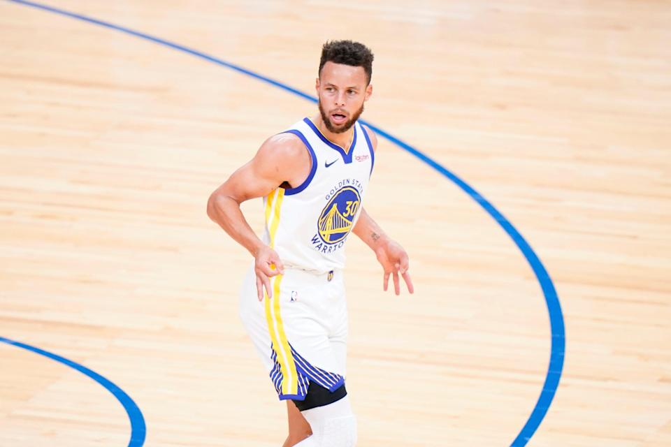 Stephen Curry now leads the NBA in scoring at 31.4 points per game.