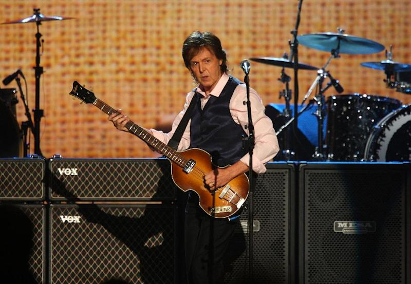 "Paul McCartney durante su presentación en el concierto ""The Night that Changed America: A Grammy Salute to the Beatles"" el lunes 27 de enero de 2014. (Foto Zach Cordner/Invision/AP)"