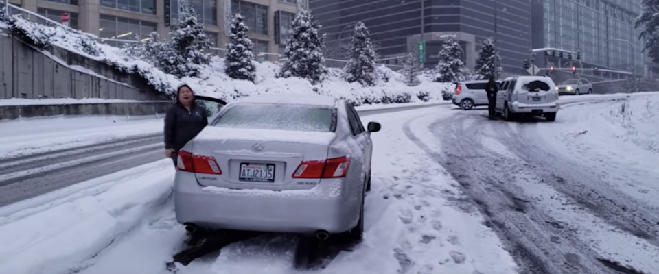 potholes and snow blizzard causing road closures in Seattle WA