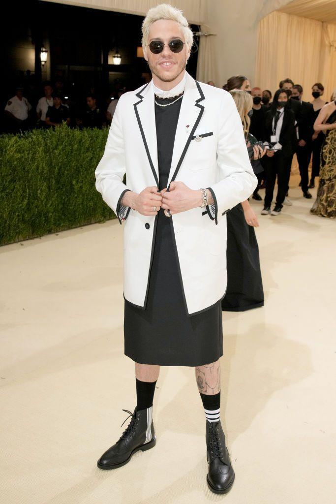 <p>The <em>Saturday Night Live</em> star may not have been our prediction for one of the dress-wearing men of the night, but there's something a little sinister about this look—like a cross between a priest and a surgeon—that makes it feel like the height of Horror Chic. It suits him really well.</p>