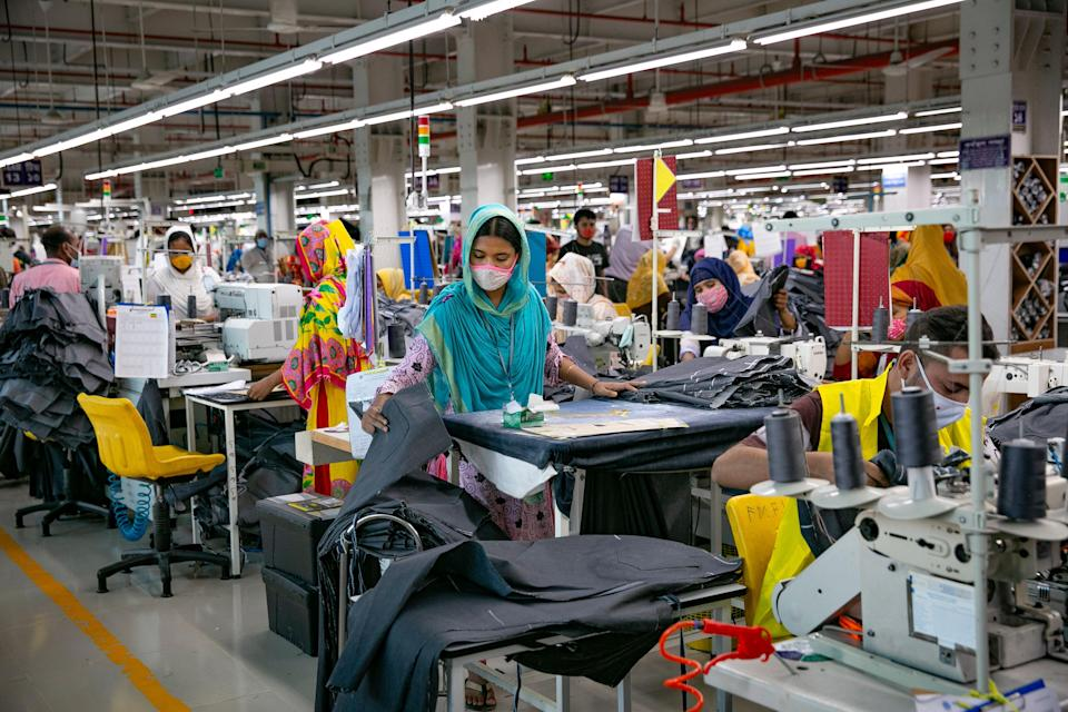 Garment workers at a factory in Bangladesh (Getty Images)