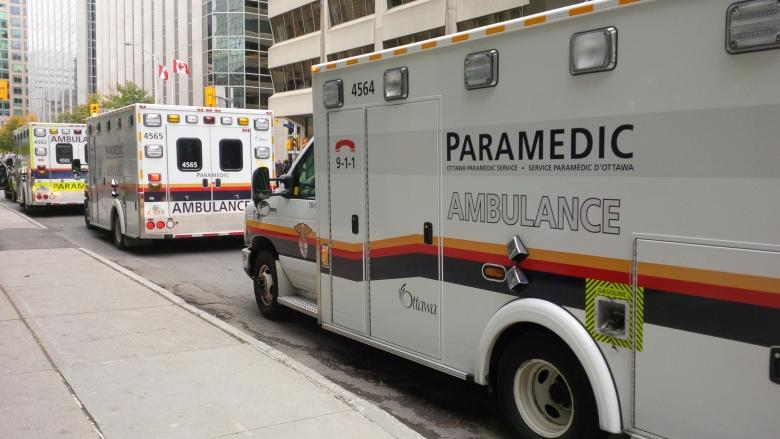 Rural paramedics urge health minister to speed up new dispatch system