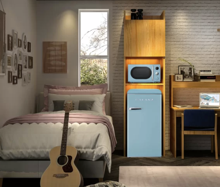 """<p>With 2020 being so, <em>well</em>, 2020, I think we can all agree that we're longing for the simpler days, so it's only fitting that our kitchens are getting a blast from the past.</p><p>Over the past few years, a crop of retro-inspired appliances have been taking over digital shelves. From bright pops of color, to sleek shapes, to silver accents, these pieces can easily transport us to the 1950s—or, you know, to your favorite old-timey diner.</p><p>Best of all? You don't need to spend a small fortune to score your very own slice of yesteryear. In fact, <a href=""""https://go.redirectingat.com?id=74968X1596630&url=https%3A%2F%2Fwww.wayfair.com%2F&sref=https%3A%2F%2Fwww.delish.com%2Fkitchen-tools%2Fg34383488%2Fretro-appliances-wayfair-sale%2F"""" rel=""""nofollow noopener"""" target=""""_blank"""" data-ylk=""""slk:Wayfair"""" class=""""link rapid-noclick-resp"""">Wayfair</a> is offering steep discounts on a bunch of old-school styles. Ready to take a walk down memory lane? Check out these retro appliances you'll want to add to your cart STAT.</p>"""