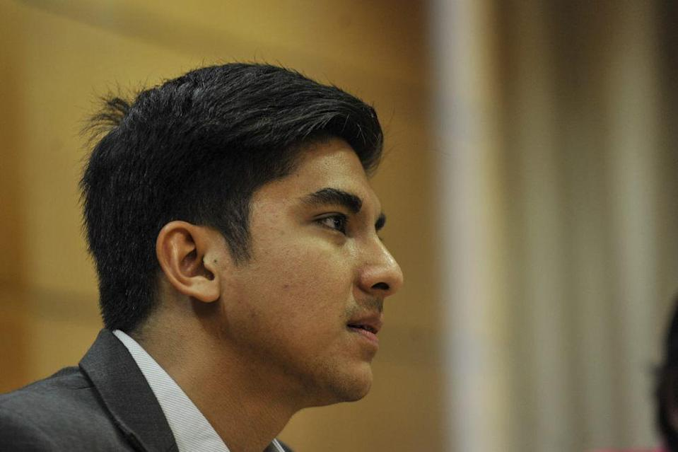 Syed Saddiq, a former youth and sports minister, went on to cite the growth in numbers of Covid-19 cases linked to local glove maker Top Glove as one of the reasons why he had no sympathy for big companies. ― Picture by Shafwan Zaidon