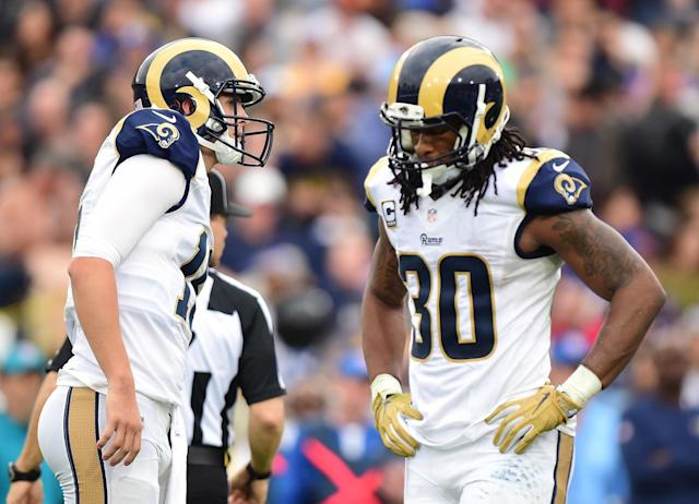 "Todd Gurley, right, has no clue how to fix the Los Angeles Rams' ""middle school offense."" (Getty Images)"