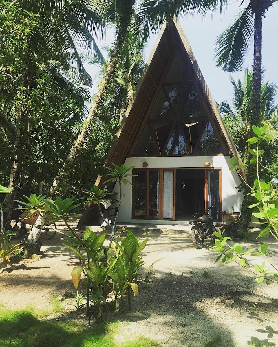 """<p>A-framed cabins were reportedly very popular back in 2017 and the trend is showing no signs of waning with over 45,000 likes for this gram-worthy snap. See you <a href=""""https://www.airbnb.co.uk/rooms/21541814?guests=1&adults=1"""" rel=""""nofollow noopener"""" target=""""_blank"""" data-ylk=""""slk:there"""" class=""""link rapid-noclick-resp"""">there</a>? <em>[Photo: Airbnb]</em> </p>"""