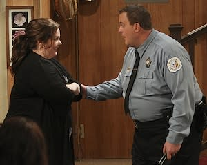 Mike & Molly's Delayed Tornado-Themed Season Finale to Air This Thursday
