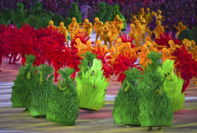 <p>2016 Rio Olympics – Closing ceremony – Maracana – Rio de Janeiro, Brazil – 21/08/2016. Performers take part in the closing ceremony. REUTERS/Toby Melville FOR EDITORIAL USE ONLY. NOT FOR SALE FOR MARKETING OR ADVERTISING CAMPAIGNS. – RTX2MGPQ </p>