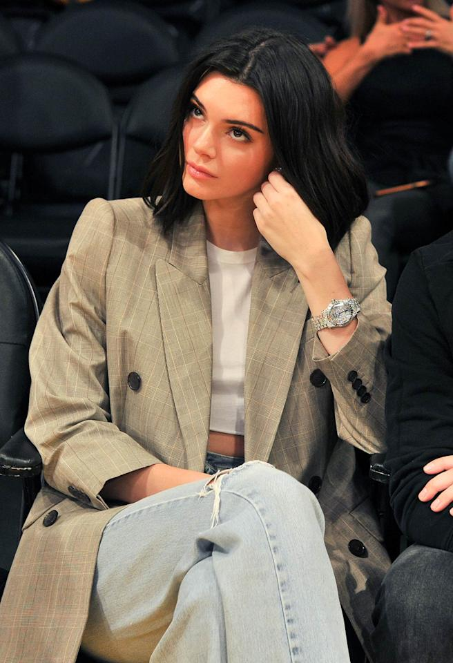 "<h2>In A Check Blazer And Jeans</h2>                                                                                                                                                                             <p><p>At a Clippers game in Los Angeles, 2017</p>                                                                                                                                                                               <h4>Getty Images</h4>                                                                                                                 <p>     <strong>Related Articles</strong>     <ul>         <li><a rel=""nofollow"" href=""http://thezoereport.com/fashion/style-tips/box-of-style-ways-to-wear-cape-trend/?utm_source=yahoo&utm_medium=syndication"">The Key Styling Piece Your Wardrobe Needs</a></li><li><a rel=""nofollow"" href=""http://thezoereport.com/entertainment/celebrities/prince-harry-meghan-markle-proposal-interview/?utm_source=yahoo&utm_medium=syndication"">See Prince Harry And Meghan Markle Share Their Romantic Proposal Details</a></li><li><a rel=""nofollow"" href=""http://thezoereport.com/entertainment/celebrities/ryan-gosling-eva-mendes-bilingual-daughters/?utm_source=yahoo&utm_medium=syndication"">Eva Mendes And Ryan Gosling Are Raising Their Daughters To Be Bilingual</a></li>    </ul> </p>"