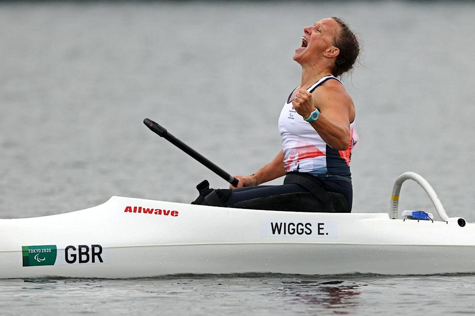 <p>Great Britain's Emma Wiggs becomes the Paralympic VL2 canoe sprint champion, beating Australia's Susan Seipel by a sizable margin. Teammate Jeanette Chippington took bronze. </p>