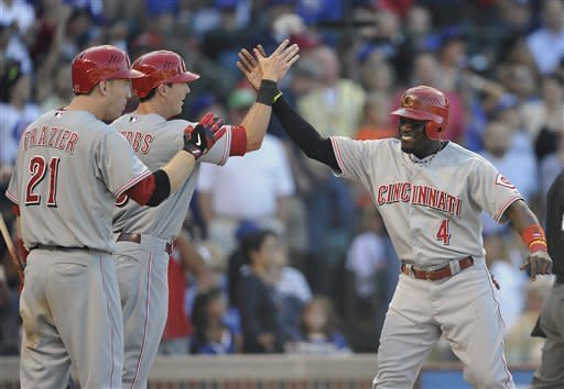 Ludwick doubles, Reds beat Cubs 4-2