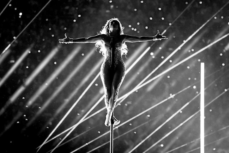 If pole dancing is good enough for JLo (Getty)