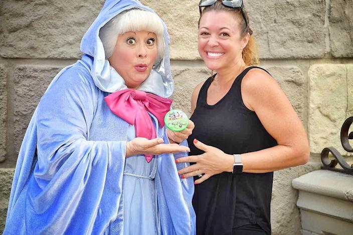 A mom's Disney World photoshoot to celebrate her children's first day back at school went viral. (Photo: Lisa DiNoto Glassner)