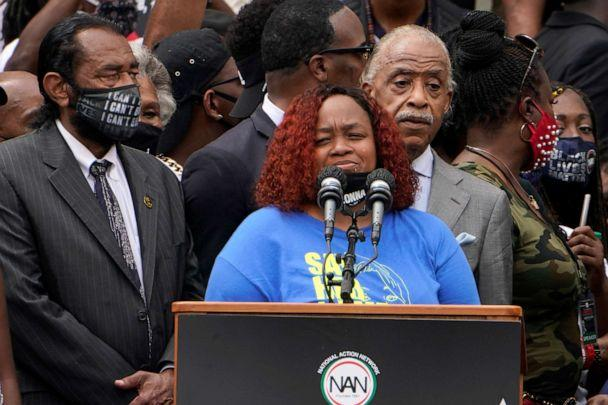 PHOTO: Tamika Palmer, mother of Breonna Taylor, speaks at the March on Washington, Aug. 28, 2020, at the Lincoln Memorial in Washington, D.C. At left is Rep. Al Green, D-Texas, and at right is Rev. Al Sharpton. (Jacquelyn Martin/AP)