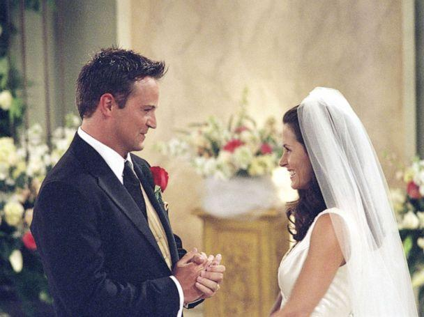 PHOTO: Matthew Perry as Chandler Bing and Courteney Cox as Monica Geller get married on 'Friends.' (NBC via Getty Images)