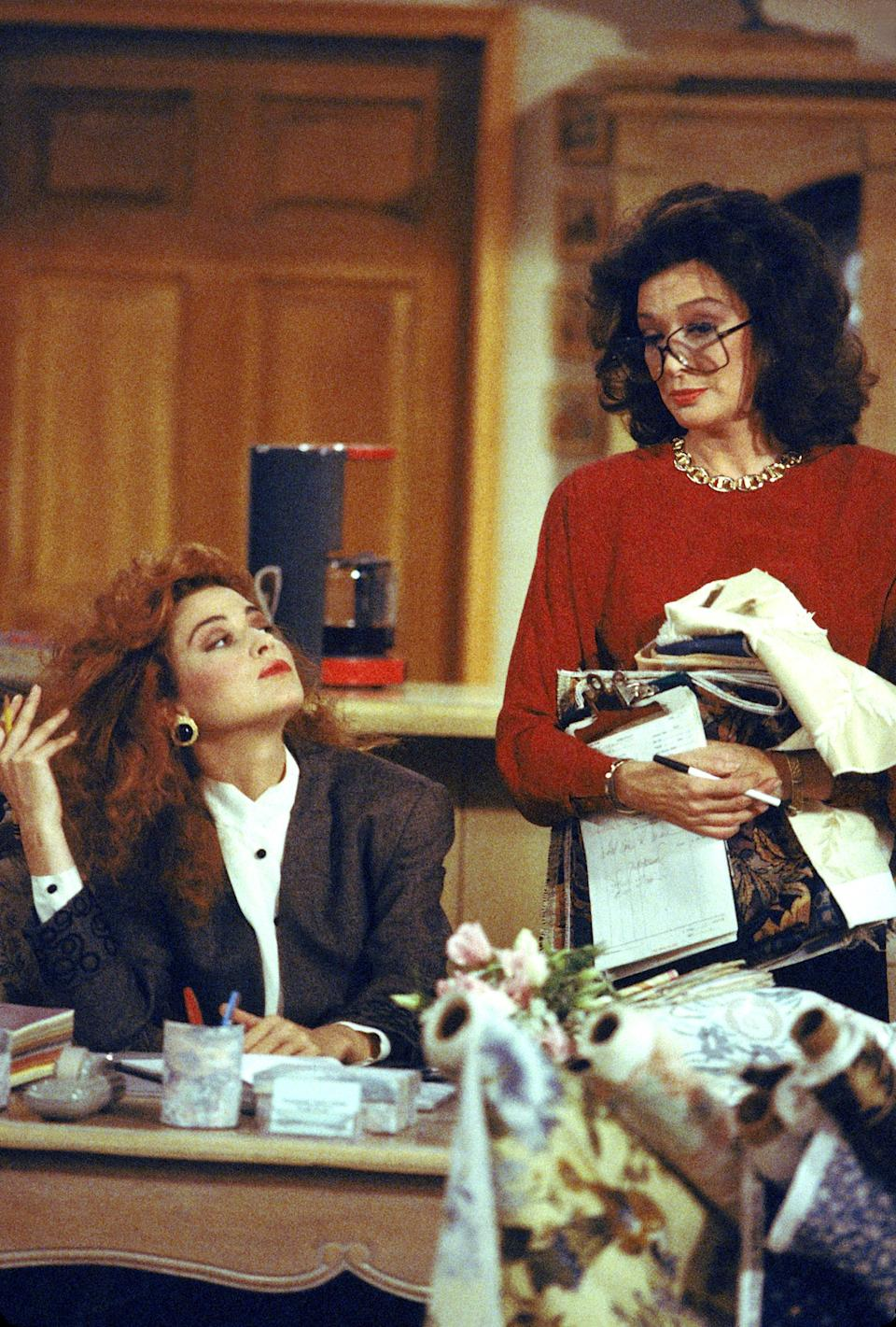 Mary Jo Shivley (Annie Potts) and Julia Sugarbaker (Dixie Carter) in Designing Women