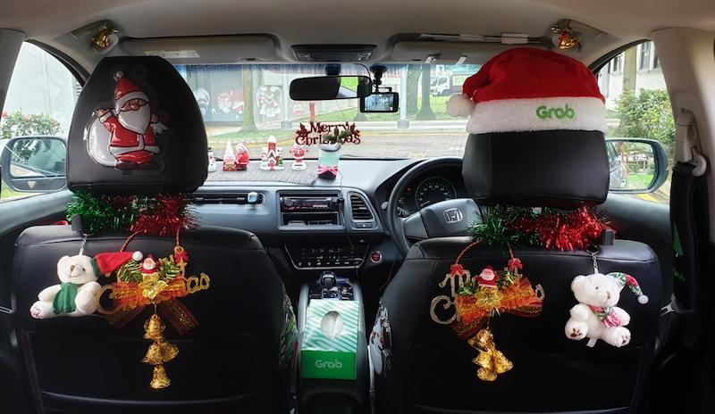 Christmas Car Decorations.These Grab Drivers Are Spreading Holiday Cheer With