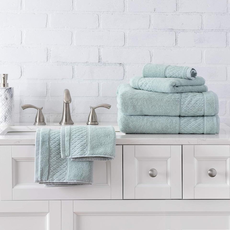 Deal of the Day: Save on Welhome Bath & Bed Linen