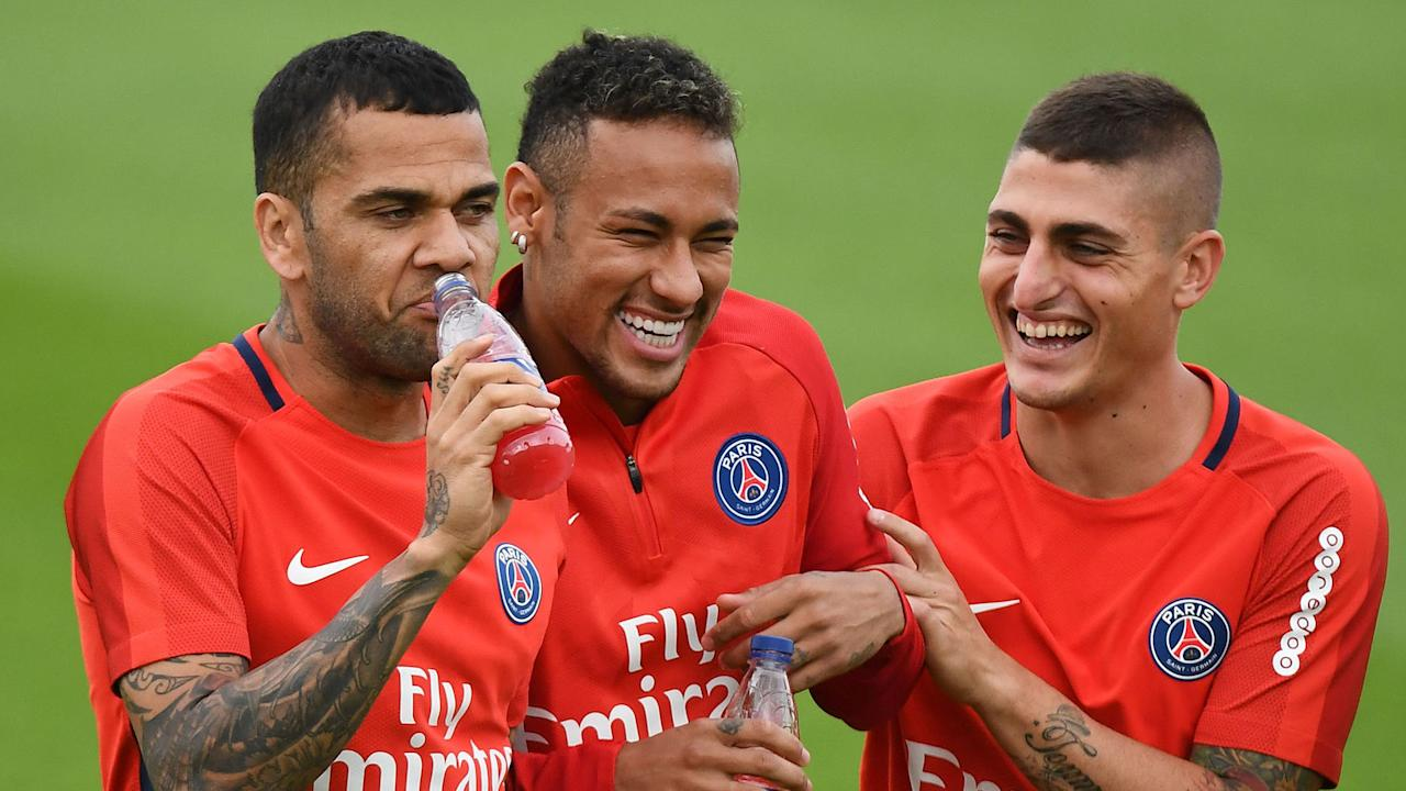 The right-back responded to insults from the ex-Uruguay striker as the controversy surrounding the PSG stars rages on