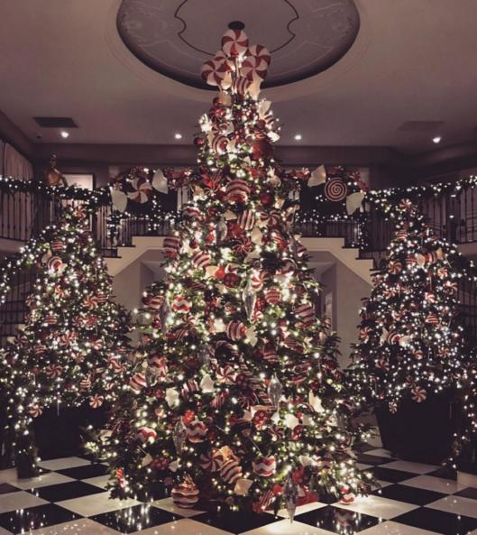 kim kardashian posted an instagram photo revealing her mother kris jenners - Fully Decorated Christmas Tree
