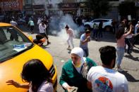Protests after critic of Abbas died in Palestinian custody