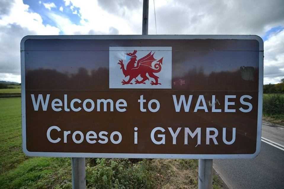 HSBC branch staff in Wales are being given the opportunity to learn or brush up on their Welsh language skills (Ben Birchall/PA) (PA Archive)