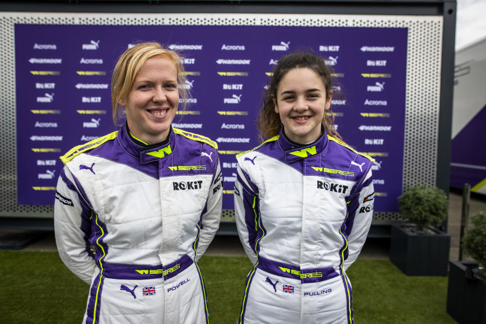W Series reserve driver Abbi Pulling (right) with mentor Alice Powell