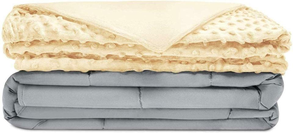 The Quility cooling weighted blanket comes in six colors and patterns, all 20 percent off. (Photo: Amazon)
