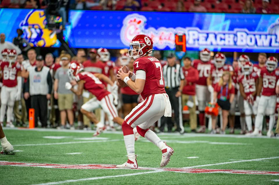 ATLANTA, GA - DECEMBER 28:  Oklahoma Sooners quarterback Spencer Rattler (7) during the College Football Playoffs Semifinal Chick-fil-A Peach Bowl between the LSU Tigers and the Oklahoma Sooners on December 28, 2019 at Mercedes-Benz Stadium in Atlanta, Georgia.  (Photo by John Adams/Icon Sportswire via Getty Images)