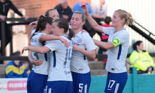 Chelsea hold on at Everton to maintain three-point WSL lead