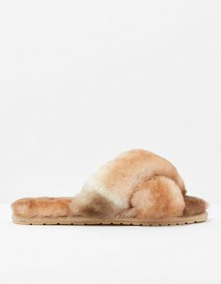 <p>In our opinion, great slippers are one of the highest forms of self care. They'll never want to take off these <span>Emu X AE Australia Mayberry Slippers</span> ($60).</p>