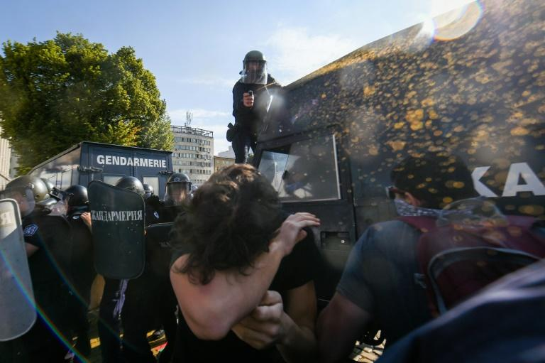 Bulgaria ruling party defiant as protests turn violent