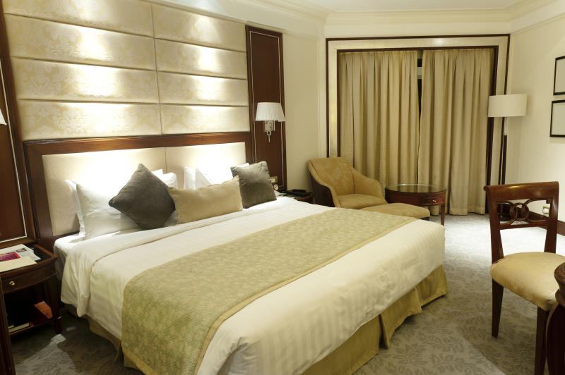 Luxury Shangri-la Hotel Room