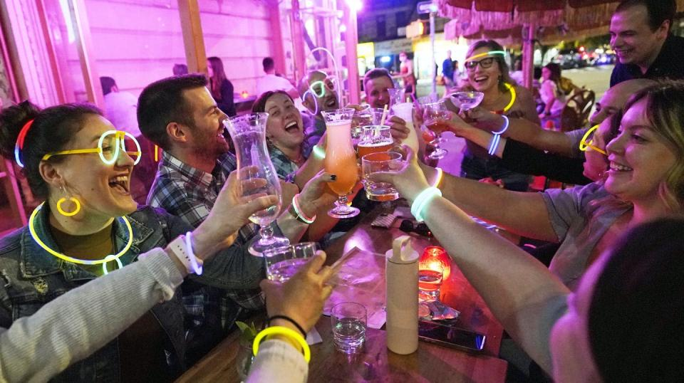 """<span class=""""caption"""">Students headed to university are thirsty for socializing and missed milestones, and risky alcohol consumption could be more of a problem than it usually is. </span> <span class=""""attribution""""><span class=""""source"""">(AP Photo/Kathy Willens) </span></span>"""