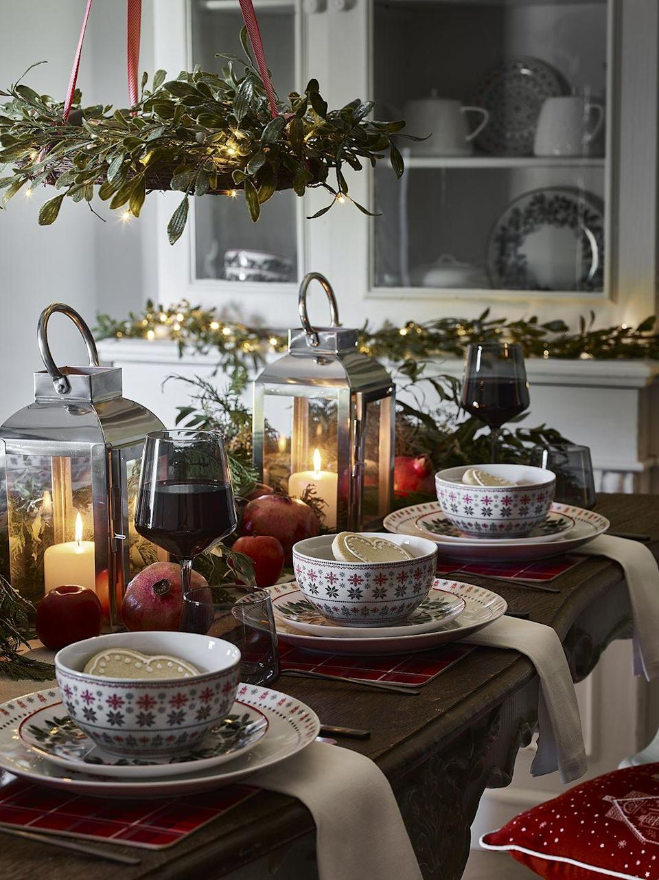 <p>Bring some holiday cheer to your dining table with George Home's wonderfully traditional range. As part of the 'How We Roll' trend, discover rich reds, greens, tartan prints, and festive prints to give a truly nostalgic feel.</p>