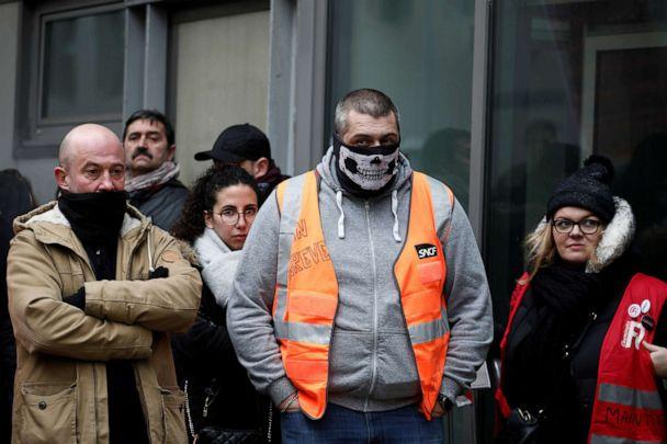 PHOTO: French SNCF railway workers on strike attend a meeting at Gare du Nord railway station in France, Dec. 5, 2019. (Benoit Tessier/Reuters)