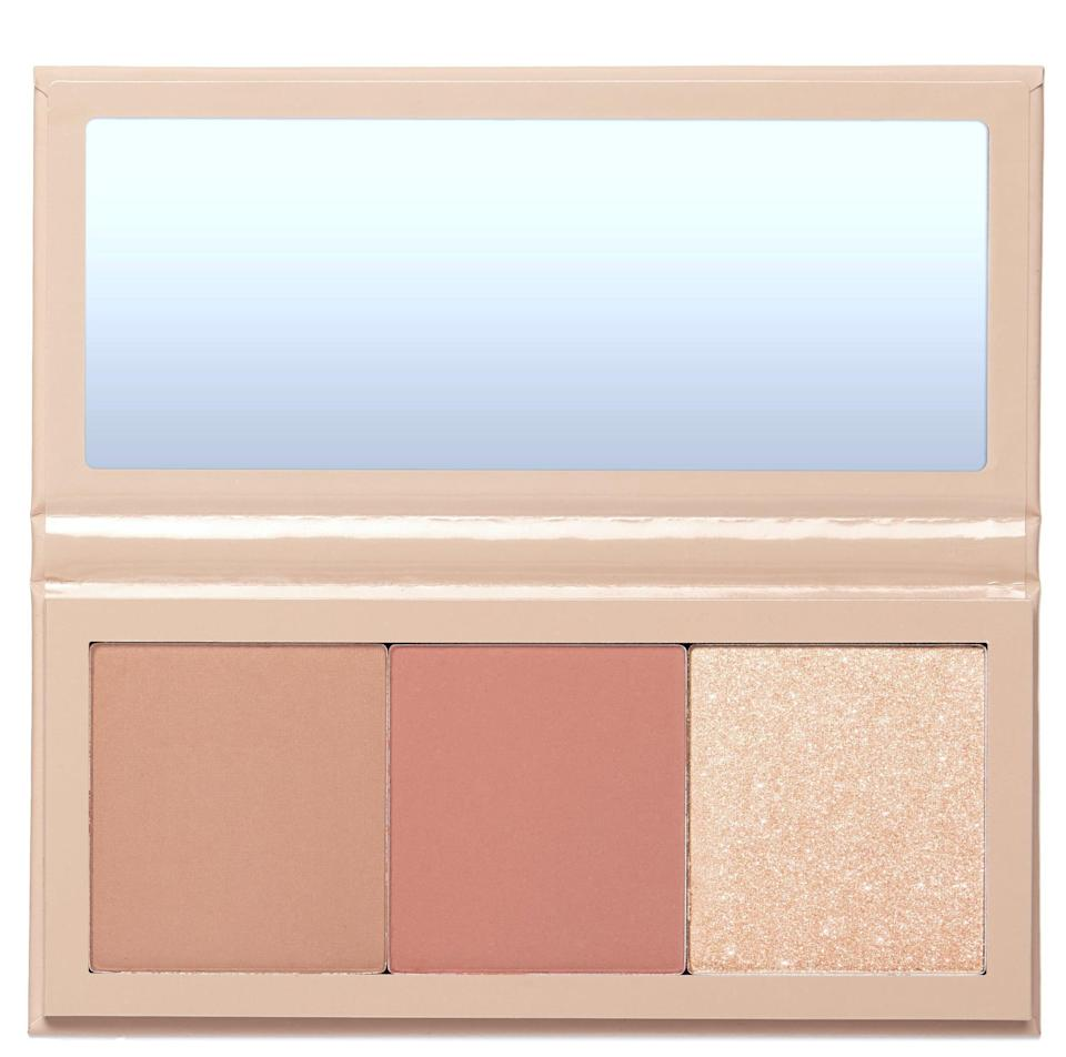 <p><span>KKW x Allison Face Palette in Tower Lane</span> ($38) is perfect for a classic look - I was especially impressed with the color payoff of the shimmery highlighter. The blush and bronzer blend effortlessly as well. </p>