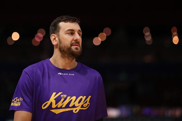 Andrew Bogut warms up for the Sydney Kings for a playoff game. (Photo by Mark Metcalfe/Getty Images)